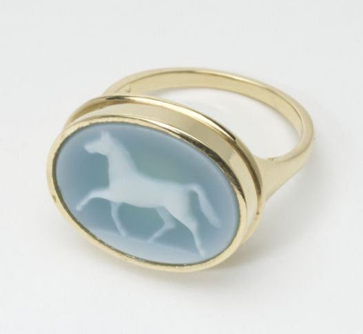 Laura Lee Horse Ring Cameo Cameo Role