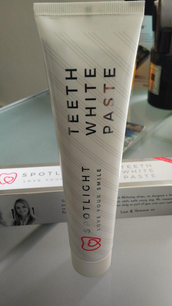 https://spotlightwhitening.com/product/spotlight-whitening-toothpaste/